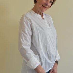 Damenmode Büsum-Bluse-weiß-seitlich