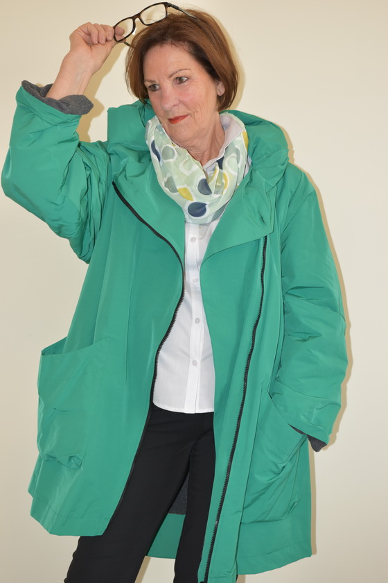 Damenmode Büsum-Hopsack Mantel-grün-vorne2