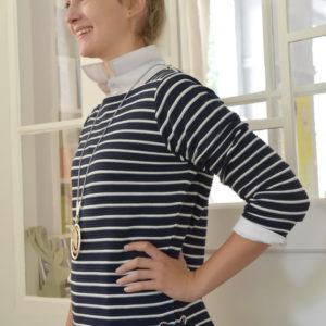 Damenmode Büsum-Kimmy Pullover-blau gestreift-seitlich-li