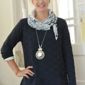 Damenmode Büsum-Kimmy Pullover-groß-blau-vorne